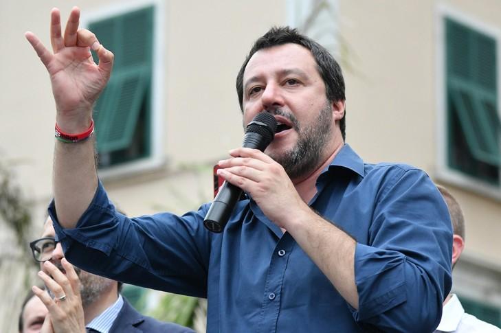 Matteo-Salvini-campagnedes-elections-locales-Massa-Carrara-30-2018_0_729_485.jpg