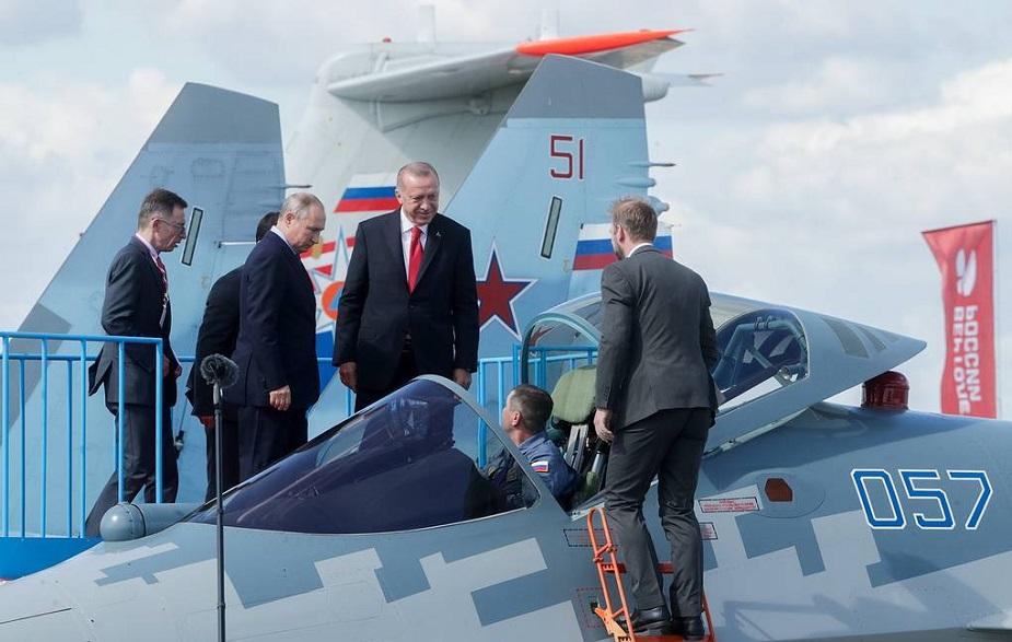 MAKS_2019_Putin_and_Erdogan_examine_Su-57_fighter-02.jpg